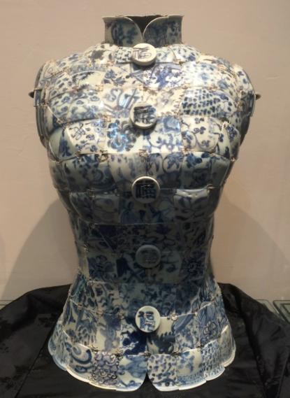 青衣系列古瓷衣服-明代青花